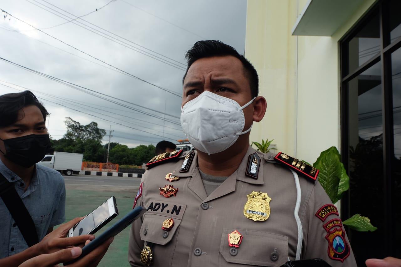 Kasatlantas Polres Malang AKP Ady Nugroho menyiagakan tim Blue Light ketika ada pemuda-pemudi yang balap liar di Kabupaten Malang. (Foto: Rap/Tugu Jatim)