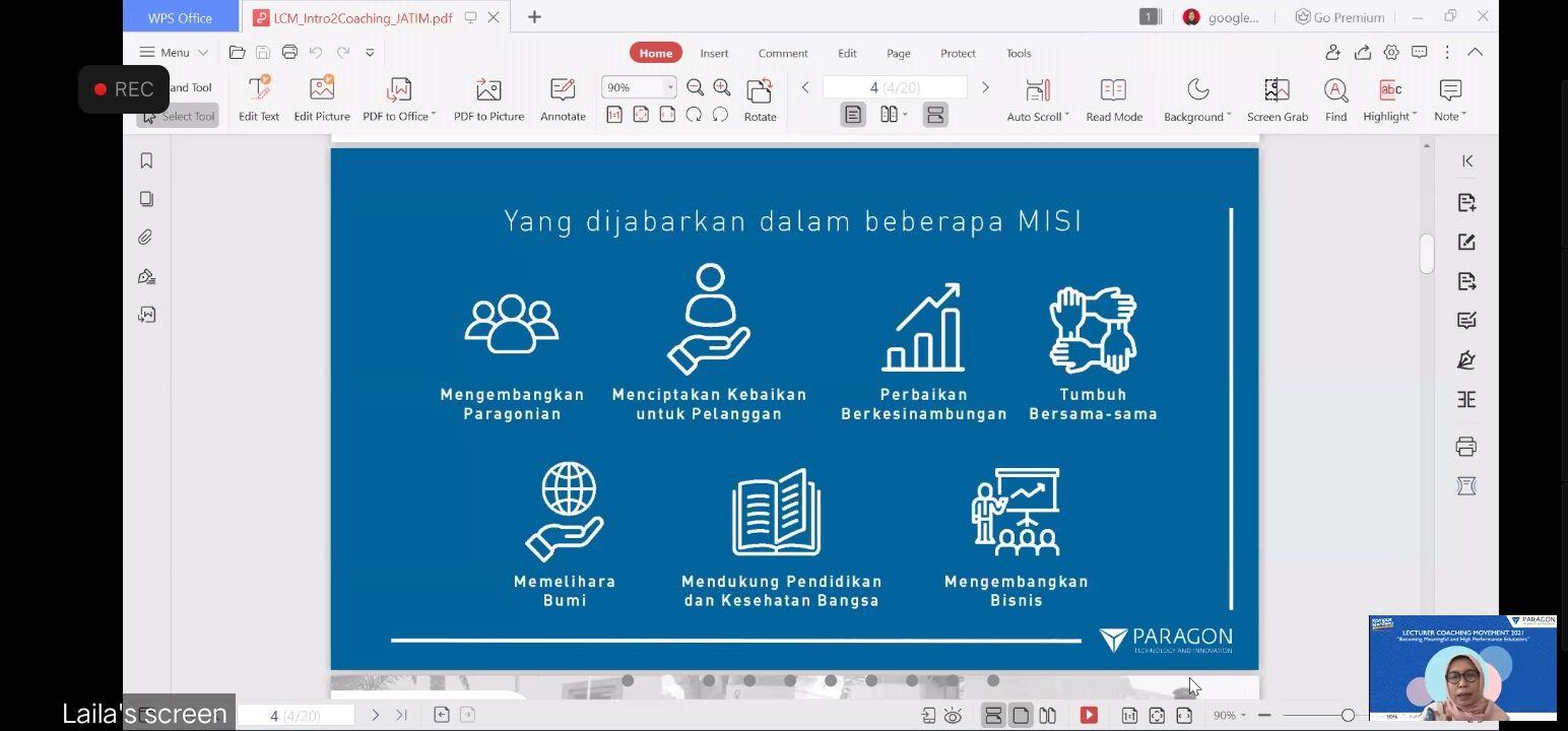Talent Advisor Corporate Coach and Psikolog PT Paragon Technology and Innovation Tanti Mantily Dewi saat menyampaikan materi kepada para dosen di Jawa Timur. (Foto: Feni Yusnia/Tugu Jatim)
