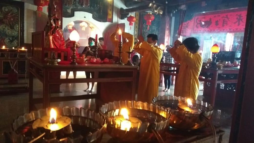 Perayaan Imlek di Kelenteng Tjoe Hwie Kiong Kediri tak akan ada pertunjukan barongsai dan kerumunan jemaat. (Foto: Noe/Tugu Jatim)