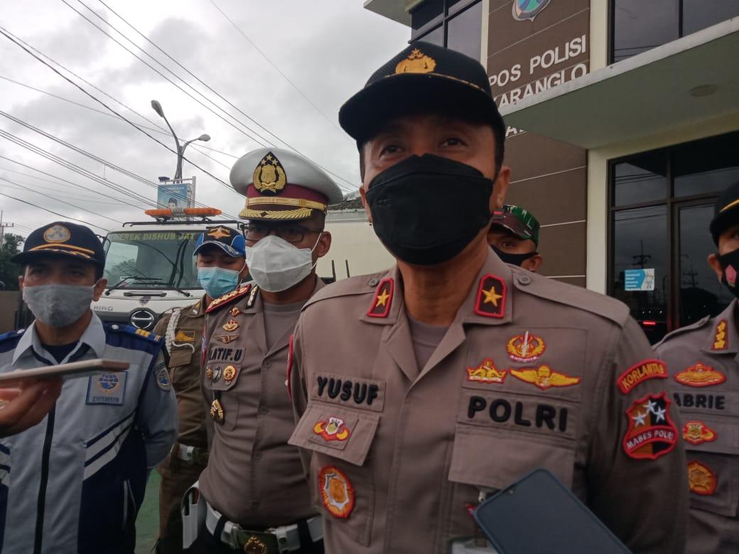 Dirregident Korlantas Polri Brigjen Pol Yusuf saat berkunjung Pos Polisi Karanglo. (Foto:Rap/Tugu Jatim)