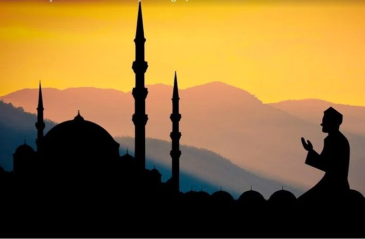 Ilustrasi masjid di Surabaya yang belum menerapkan protokol kesehatan (prokes) saat salat Jumat. (Foto: Pixabay) tugu jatim