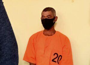 Pelaku pembacokan LS (54) diamankan Polres Bojonegoro. (Foto : Mila Arinda/Tugu Jatim) bacok tentangga selingkuh tugu jatim