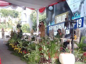 Dialog Penanganan COVID-19 yang dihadiri oleh jajaran Forum Komunikasi Pimpinan Daerah (Forkopimda) Surabaya untuk membahas evaluasi PPKM dan penerapan PPKM Mikro. (Foto: Rangga Aji/Tugu Jatim)