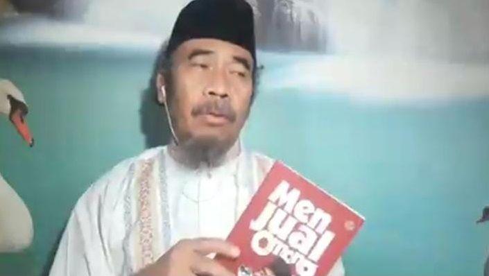 Sosok Prie GS. (Foto: Twitter/Prie GS) tugu jatim, kata mutiara, budayawan