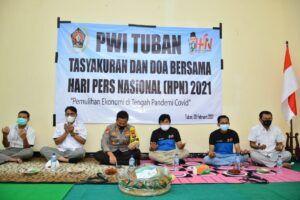Tasyakuran PWI Tuban untuk peringati HPN 2021. (Foto: Moch Abdurrochim/Tugu Jatim)