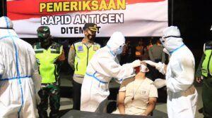 Terjaring Operasi Yustisi, Puluhan Warga di Tuban Wajib Jalani Rapid Test Antigen