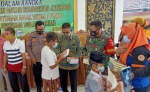 Komunitas Sahabat Berbagi Beri Santunan Al-Qur'an dan Uang Tunai ke 100 Anak Yatim di Tuban