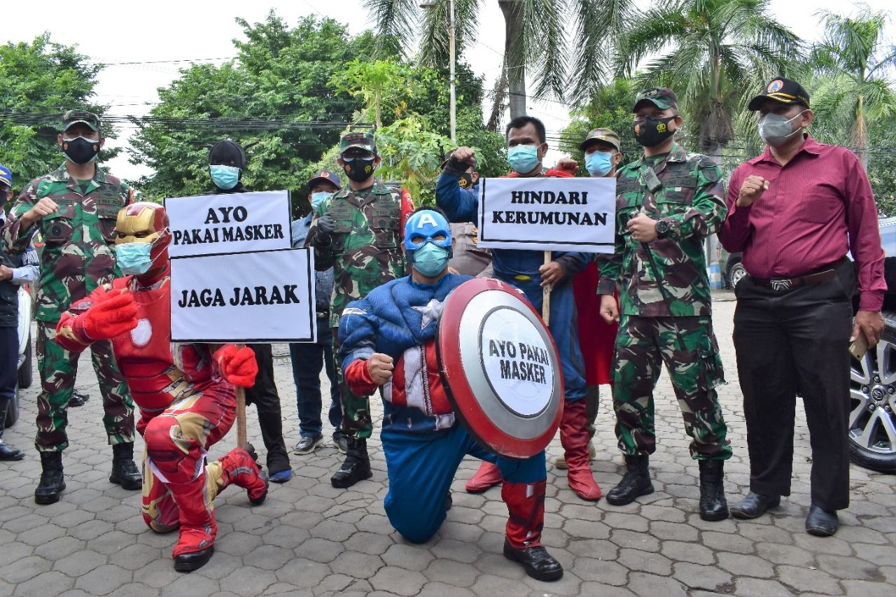 Para superhero yang turut mengawal Pangdam V/Brawjaya saat melakukan kunjungan ke Kodim 0819 Pasuruan. (Foto: Dokumen) tugu jatim
