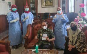 Bupati dan Wabup Tuban Terima Vaksinasi COVID-19