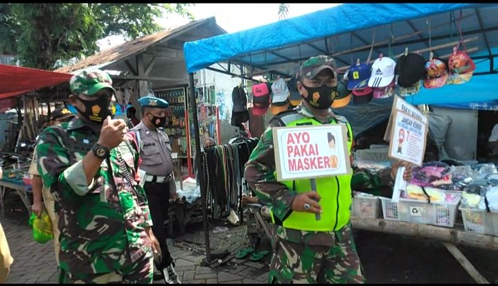 Operasi yustisi yang digelar oleh Koramil 0819-15/Winongan di Pasuruan. (Foto: Dokumen)