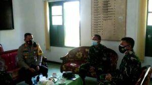 Tangkapan layar saat Kapolresta Malang Kota Kombes Pol Leonardus Simarmata memediasi kasus salah tangkap kasus narkoba. (Foto: Azmy/Tugu Jatim)