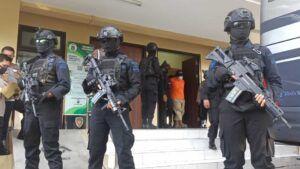 Densus 88 Mabes Polri Tangkap 22 Terduga Teroris yang Masuk Jaringan Jemaah Islamiah