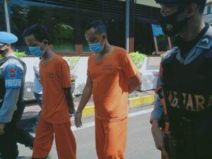 Tersangka kasus pembunuhan dan pemerkosaan pemandu lagu di Kabupaten Malang, Kamis (25/03/2021). (Foto: Rap/Tugu Jatim)