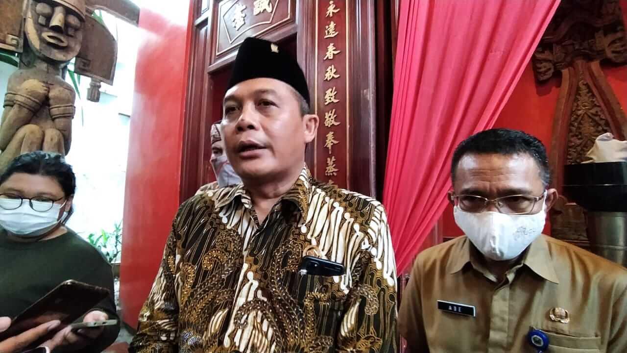 Ketua DPRD Kota Malang I Made Riandiana Kartika (tengah). (Foto: Azmy/Tugu Jatim)
