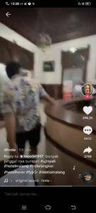 Pasangan muda-mudi ini pun kabur dari Hotel Niagara karena merasa suasana mistis di sana. (Foto: Rap/Tugu Jatim)