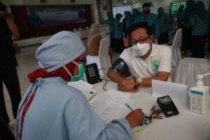 Wali Kota Malang Sutiaji sebelum melakukan vaksinasi Selasa (23/03/2021). (Foto: Humas Pemkot Malang/Tugu Jatim)