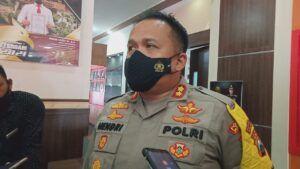 Kapolres Malang AKBP Hendri Umar saat memberikan keterangan soal video hoax Gus Idris. (Foto:Rap/Tugu Jatim)