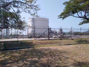 Kilang minyak Pertamina Balongan. (Foto: Dok Rochim/Tugu Jatim)