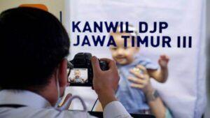 Melalui Eazy Passport, mengurus paspor secara kolektif lebih mudah. (Foto:Humas Kantor Imigrasi Malang/Tugu Jatim)