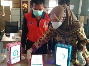 Volunteer dan Nakes RSLKI Surabaya Jalani Pelatihan Pengoperasionalan i-nose c-19