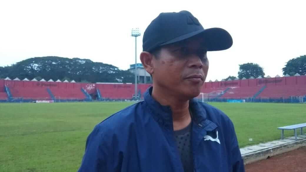 "Pelatih kepala Persik Kediri Joko ""Gethuk"" Susilo. (Foto: Noe/Tugu Jatim)"