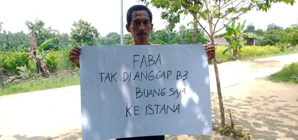 Cak Nurasim, Ketua Organisasi Pendowo Bangkit (Penduduk Lakardowo Bangkit), organisasi yang getol untuk melawan pencemaran limbah di desanya yang diduga dicemari oleh PT PRIA. (Foto: Istimewa/Tugu Jatim.