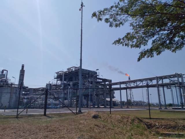 Kilang minyak Pertamina Balongan, Indramayu, sebelum terbakar. (Foto: Dok Rochim/Tugu Jatim)