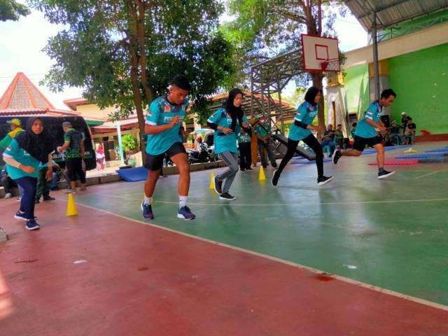 Para atlet tes perkembangan fisik di GOR Rangga Anoraga Tuban. (Foto: Humas KONI Tuban/Tugu Jatim)