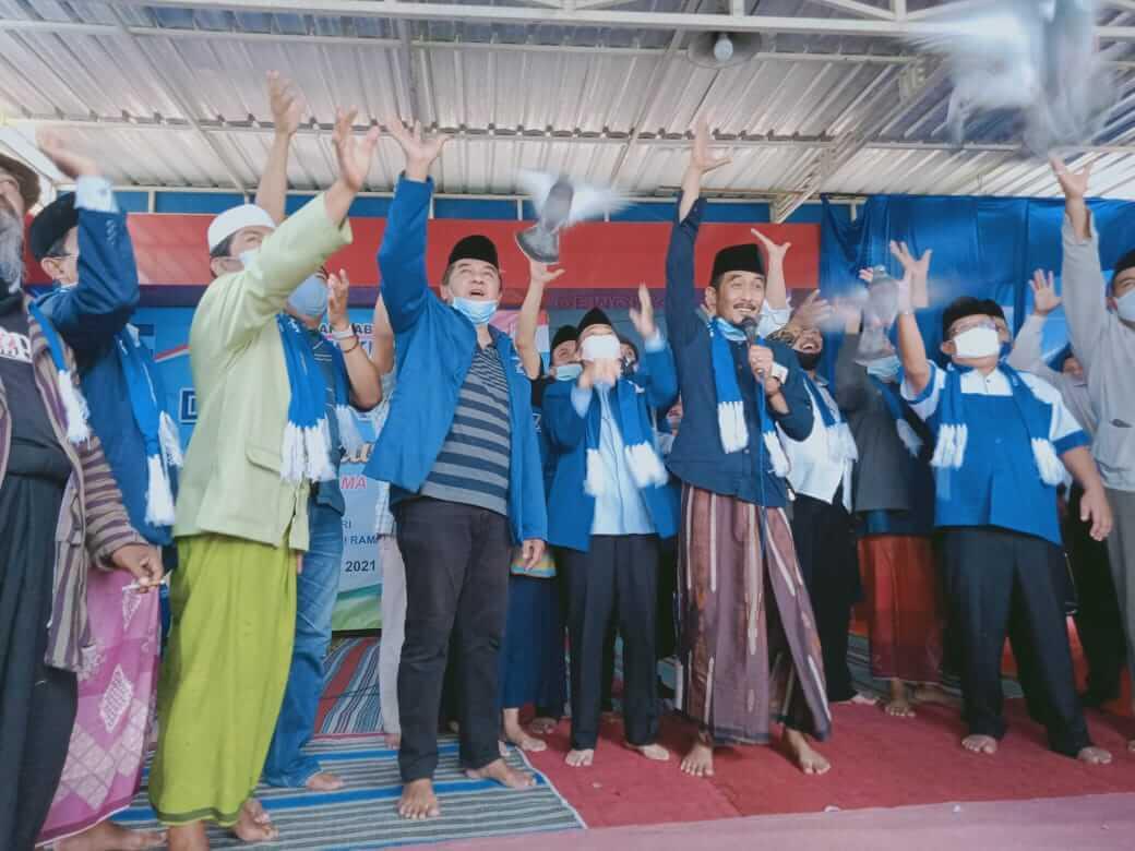 DPC Demokrat Kabupaten Malang galang dukungan dari 14 kiai untuk tolak kudeta yang dilakukan oleh Moeldoko terhadap AHY. (Foto: RAP/Tugu Malang/Tugu Jatim)