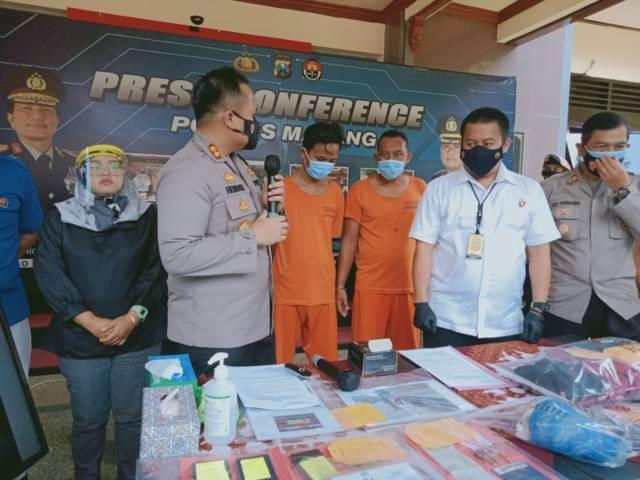 Kapolres Malang AKBP Hendri Umar saat press conference kasus pembunuhan dan pemerkosaan pemandu lagu di Kabupaten Malang, Kamis (25/03/2021). (Foto: Rap/Tugu Jatim)