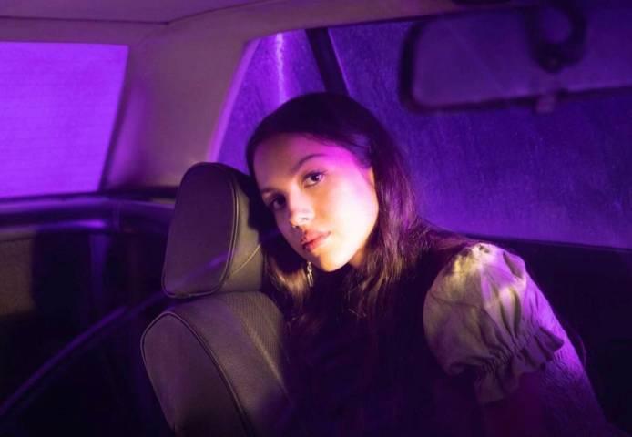 Lagu galau dari Olivia Rodrigo 'Driver's License' (Foto : Instagram/@oliviarodrigo)
