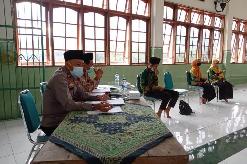 Acara penjaringan gagasan pelajar yang digelar oleh IPNU & IPPNU Kabupaten Trenggalek, Senin (22/3/2021). (Foto : Zamz/Tugu Jatim)