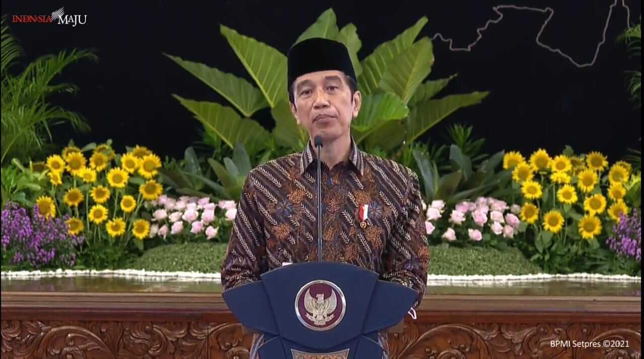 Presiden Joko Widodo (Jokowi) dalam membuka Kongres PMII XX 2021, secara virtual dari Istana Negara, Rabu (17/3/2021). (Foto: YouTube/Sekretariat Presiden)