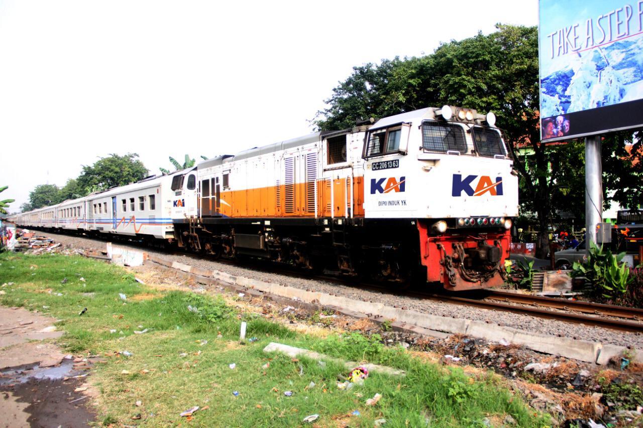 Ilustrasi kereta api yang kerap kali menjadi primadona untuk digunakan mudik lebaran. (Foto : Humas PT KAI Daop 8 Surabaya)