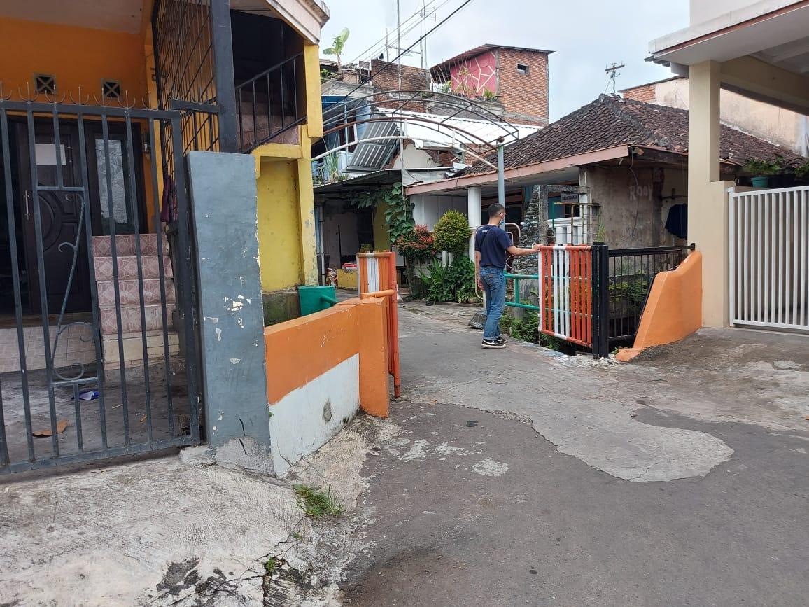 Lokasi kejadian suara letusan diduga tembakan ke udara yang menghebohkan warga di Jalan Candi Badut, Kota Malang. (Foto : Azmy/Tugu Malang/Tugu Jatim) aksi polisi di malang, kejar pemotor dan lepaskan tembakan peringatan