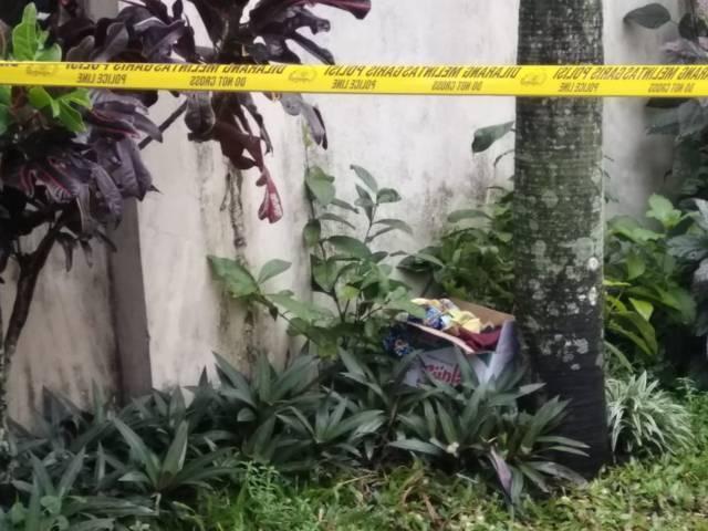Lokasi penemuan mortir di Jalan Bareng Tenes IV, Klojen, Kota Malang kini sudah digaris polisi. (Foto : Polsek Klojen)