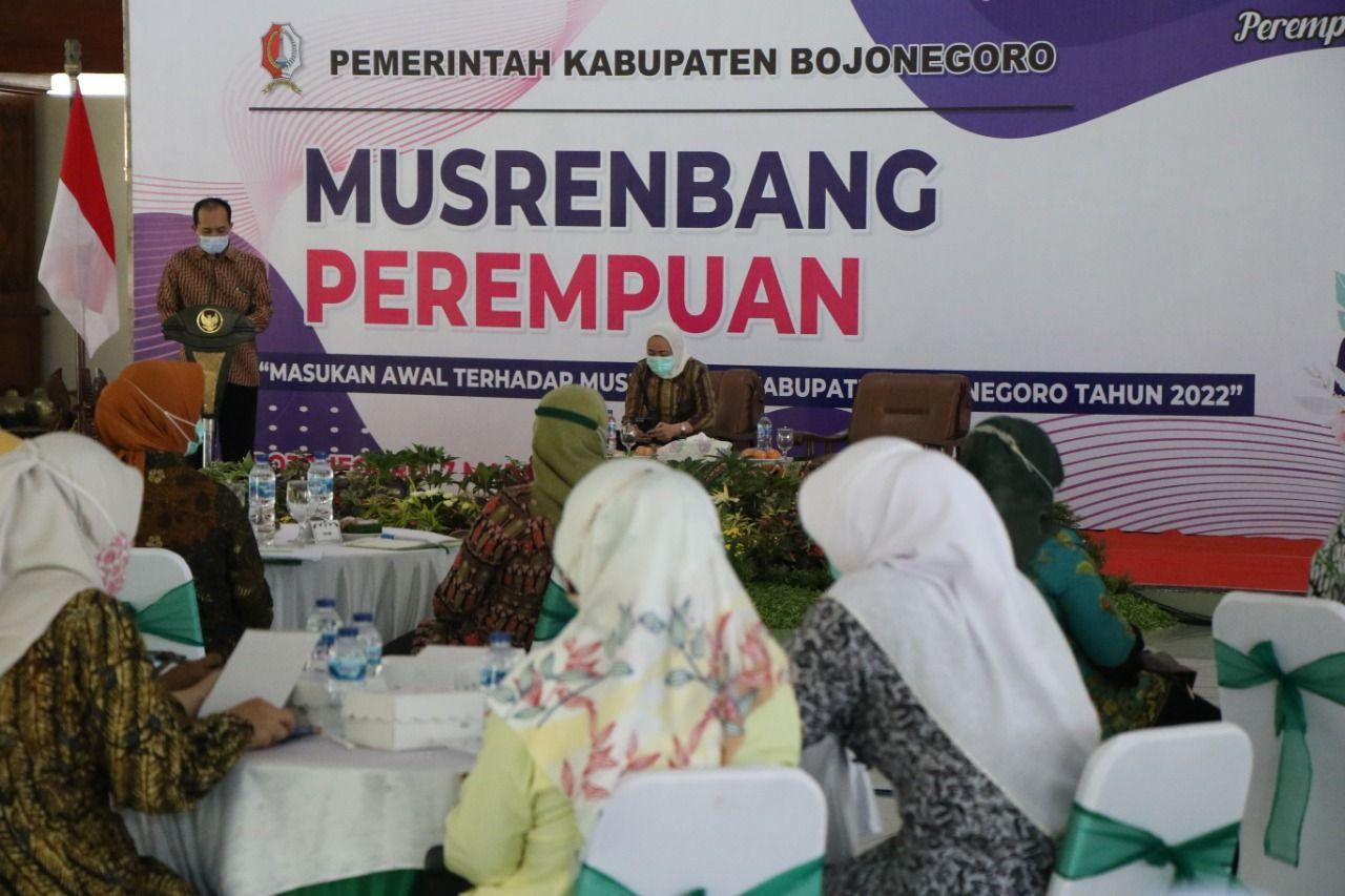 Kegiatan Musrenbang yang pertama kali digelar khusus untuk perempuan di Pendopo Malowopati Bojonegoro, Minggu (07/03/2021).. (Foto: Humas Pemkab Bojonegoro) tugu jatim