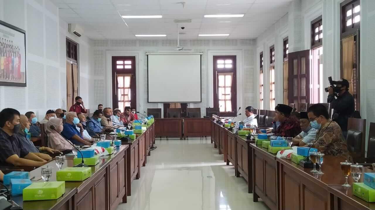 Agenda hearing antara DPRD Kota Malang dan pedagang Pasar Besar Malang, Kamis (4/3/2021). (Foto : Azmy/Tugu Malang/Tugu Jatim)