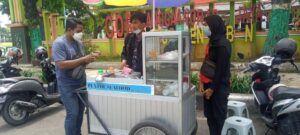 Mahasiswa Unirow Tuban Terjun Bisnis Kuliner, Isi Waktu Luang Usai Ujian