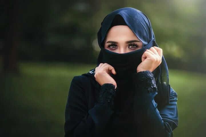 Ilustrasi perempuan dan cara memilih pasangan hidup dalam Islam. (Foto: Pixabay)