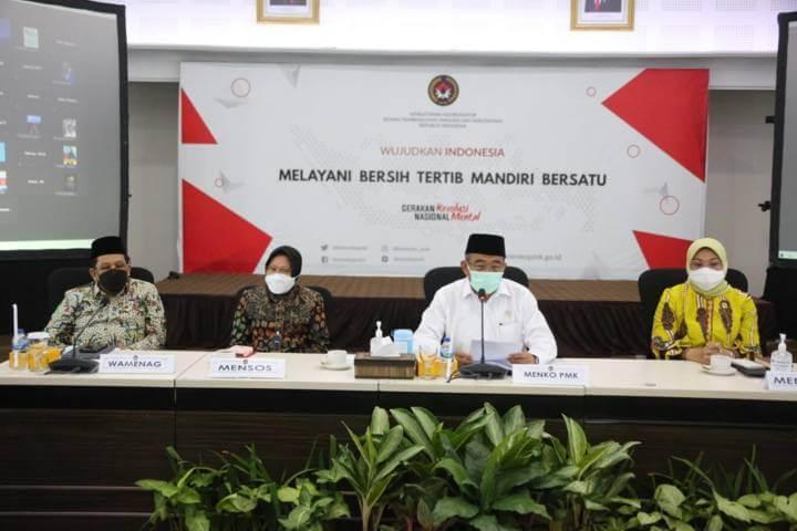 Sesi konferensi pers usai rakor membahas mengenai kebijakan mudik lebaran 2021, Jumat (26/03/2021). (Foto: Humas Kemenko PMK)