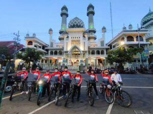 Rombongan DPW PKS Jatim saat berkunjung ke Kota Malang. Mereka berkeliling sejuknya Kota Malang dengan melakukan gowes bareng. (Foto: Dokumen/PKS)