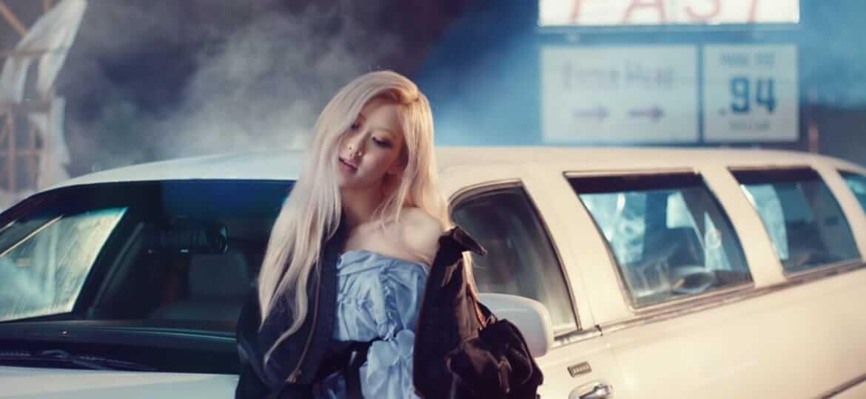 "Rosé, personel BLACKPINK yang baru saja merilis album solo berjudul ""R"". (Foto: Youtube/BLACKPINK)"