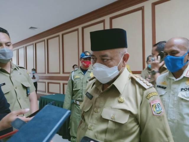 Bupati Malang, Sanusi saat ditemui awak media. (Foto: RAP/Tugu Malang/Tugu Jatim)