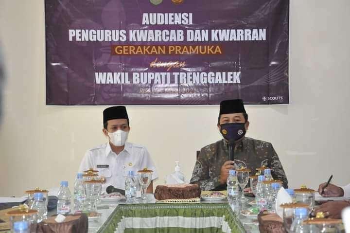 Wakil Bupati M. Syah Natanegara saat menghadiri audiensi Pengurus Kwarcab dan Kwaran Pramuka di Trenggalek, Rabu (24/3/2021). (Foto: Zamz/Tugu Jatim) wabup syah