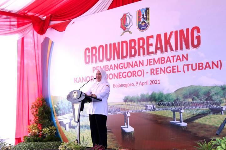 Bupati Bojonegoro Anna Muawanah saat memberikan sambutan.(Foto: Humas Pemkab Bojonegoro/Tugu Jatim)