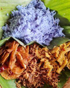 Nasi Pawon Teh Tudung.(Foto:Dok/Tugu Jatim)