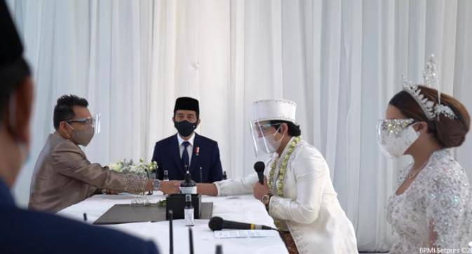 Saat Atta Halilintar mengucapkan ijab kabul disaksikan oleh Presiden Jowoki. (Foto: YouTube Sekretariat Presiden/Tugu Jatim)