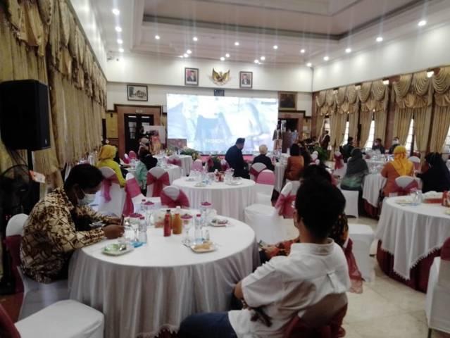 Agenda Opening Ceremony Surabaya Virtual Expo diadakan pada 9-12 April 2021 dengan konten pameran fashion, craft, culinary di Balai Kota Surabaya, Jumat (09/04/2021).(Foto: Rangga Aji/Tugu Jatim)