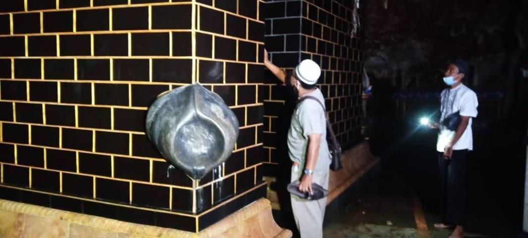 Miniatur Kakbah di dalam Masjid Perut Bumi. (Foto:Rochim/Tugu Jatim)